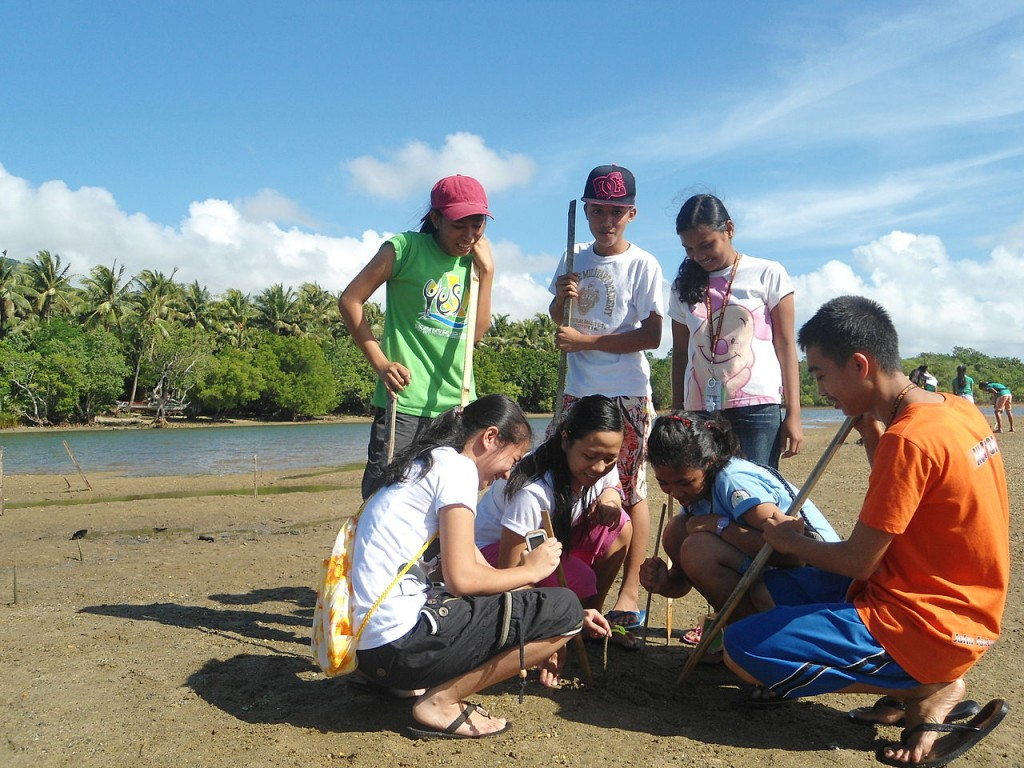 MNHS_Yes-O_Mangrove_Tree_Planting_at_Bugang_River (1)